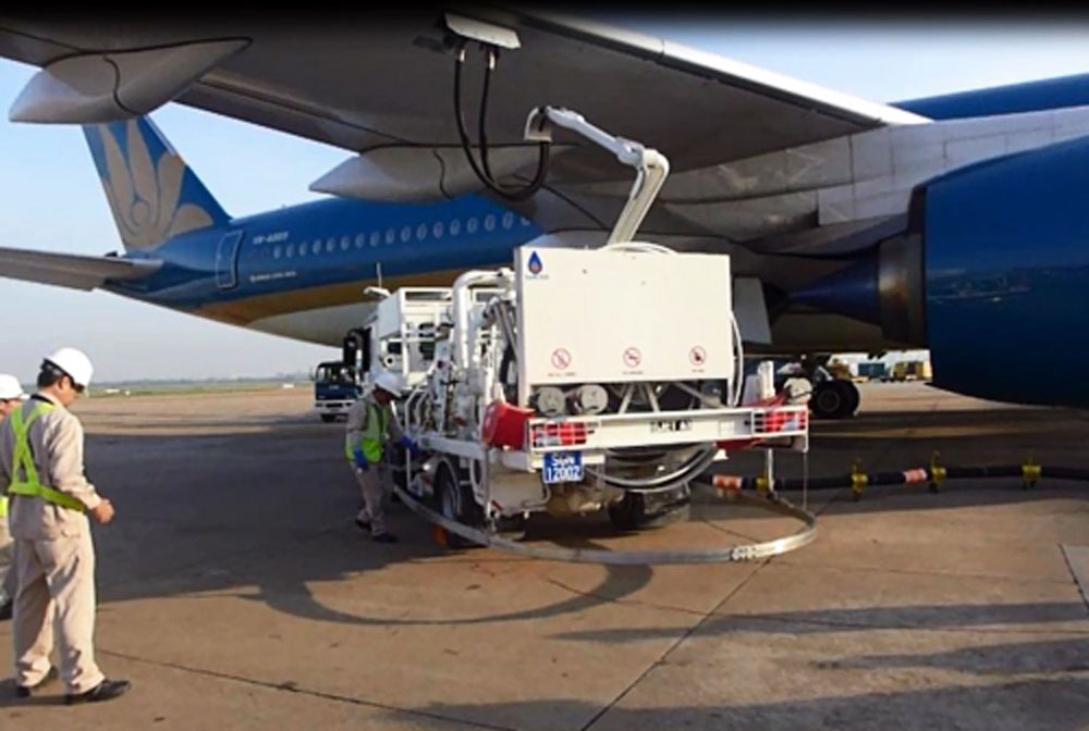 Tan Son Nhat International Airport utilizes the underground fuel hydrant system for aircrafts refuelling